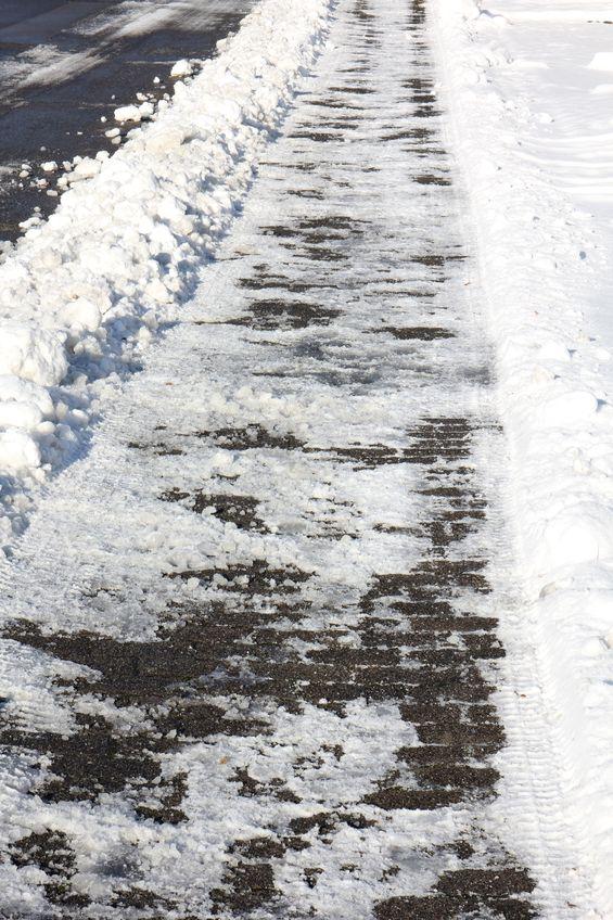Útszóró sót a jeges utakra!