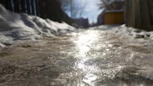 Útszóró só: Védekezzen a csúszós utak ellen hatékony módszerrel!Útszóró só: Védekezzen a csúszós utak ellen hatékony módszerrel!
